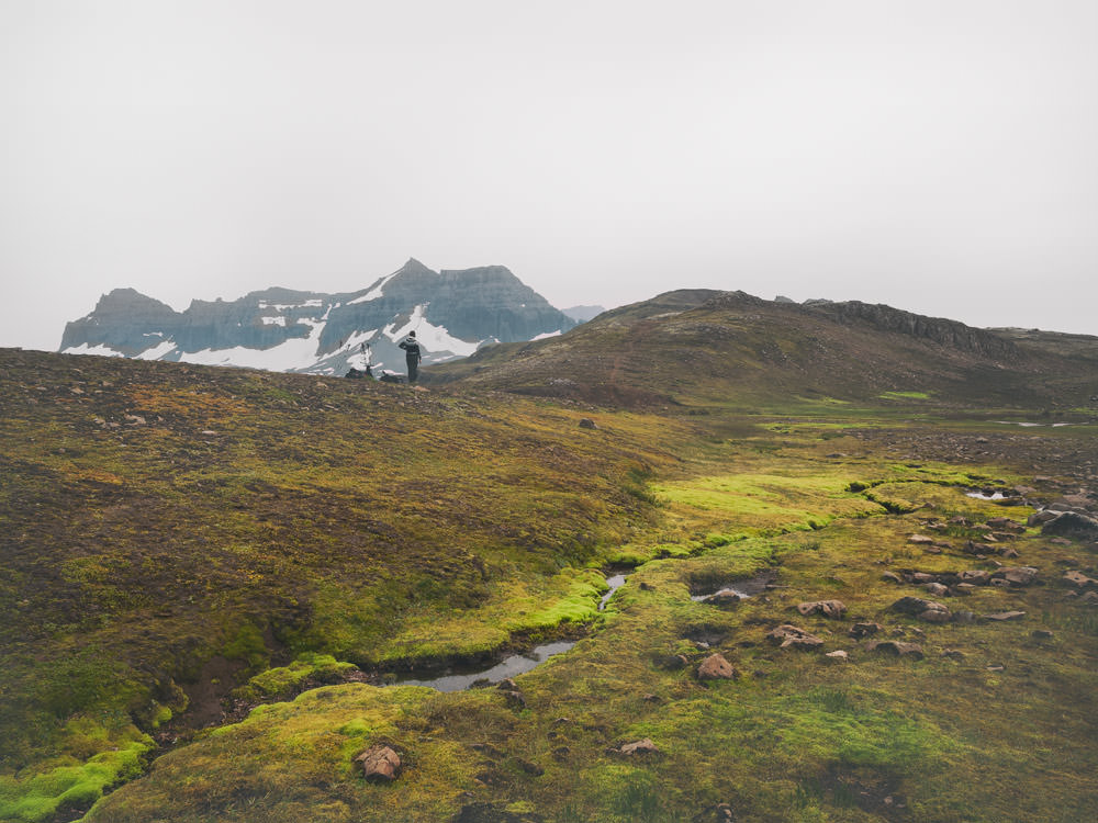 Best time to go to Iceland? Every season has its own magical spirit and offers a completely different experience. If you are planning a trip, there's a tough decision to be made. Check out our guide!