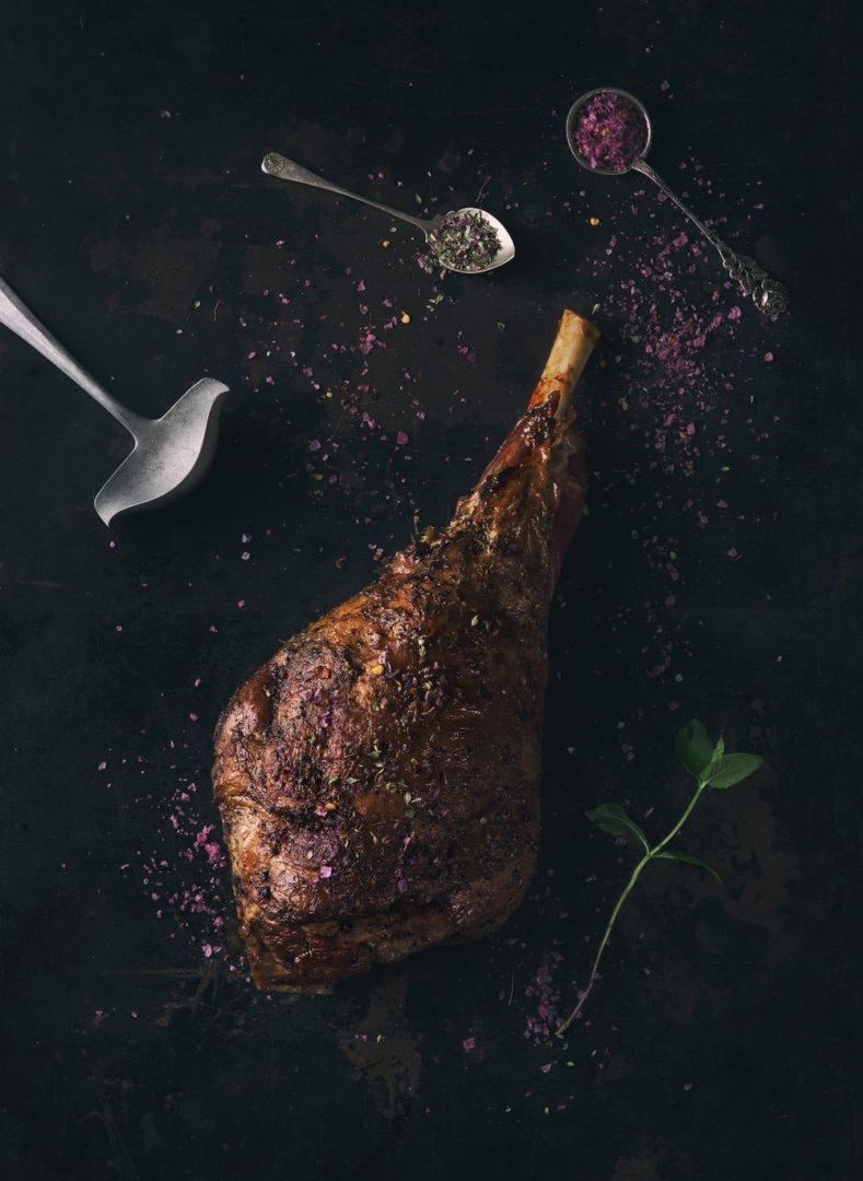 Pieczony udziec barani z tymiankiem arktycznym | Kuchnia skandynawska