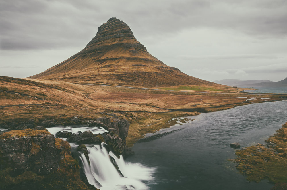 Is spending 4 days in Iceland worth it at all? Is it possible to leave it without irritation, because you haven't seen the whole island? Sure! Have a look at our itinerary. Even a short trip to Iceland can become a great adventure. Snaefellsnes, Kirkjufell.