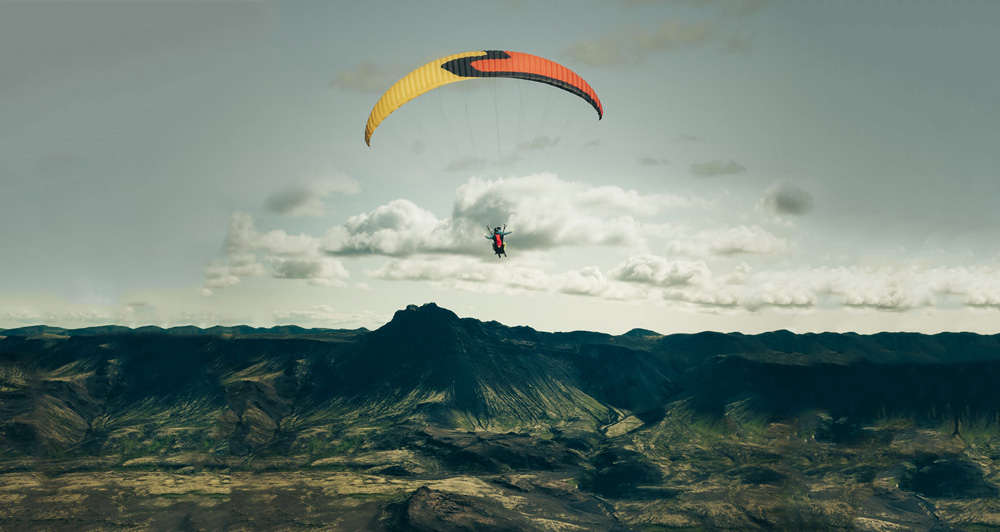 Paragliding-Iceland-feature