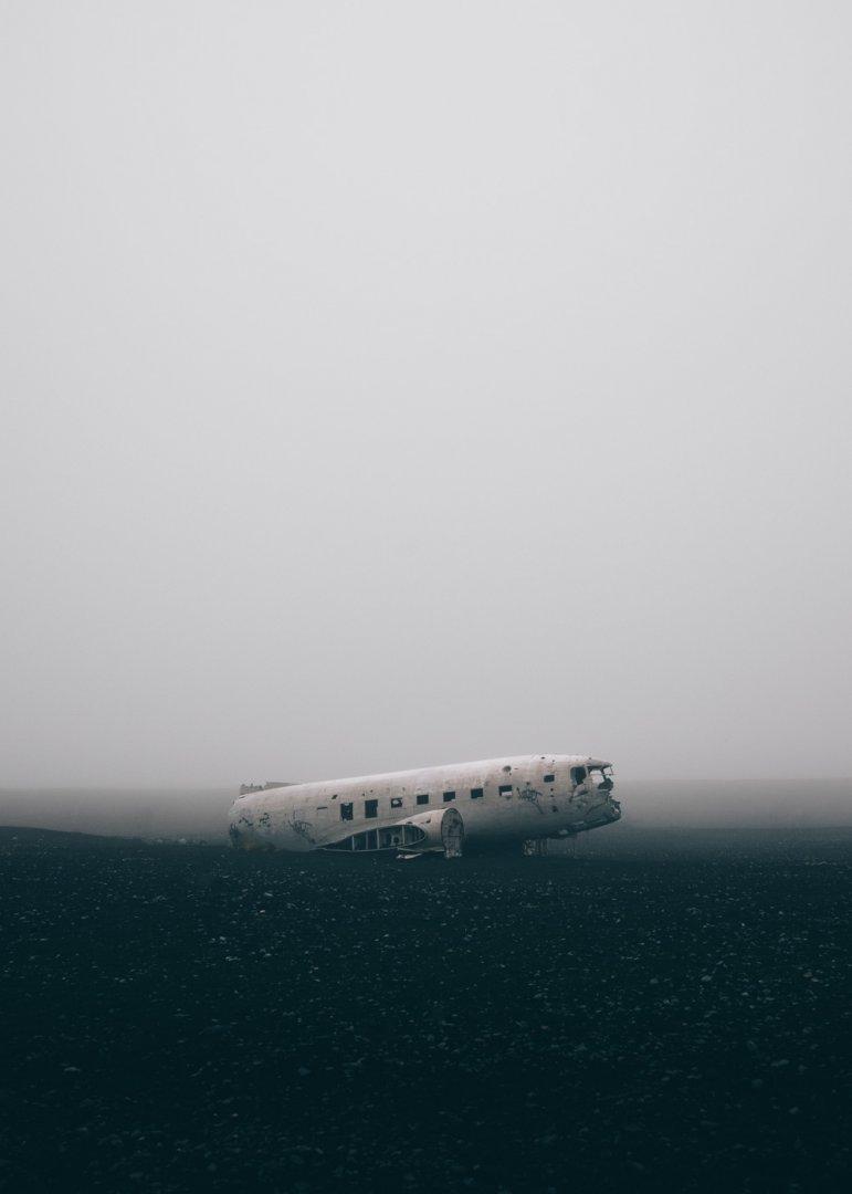 Islandia co warto zobaczyc wrak samolotu Dakota DC3