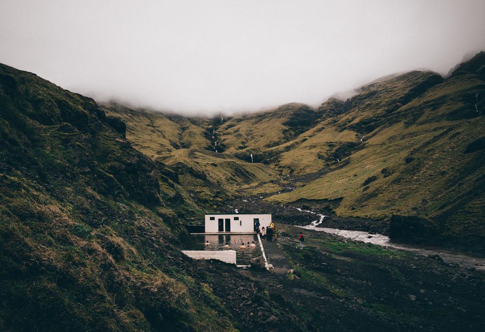 Islandia: basen termalny Seljavallalaug