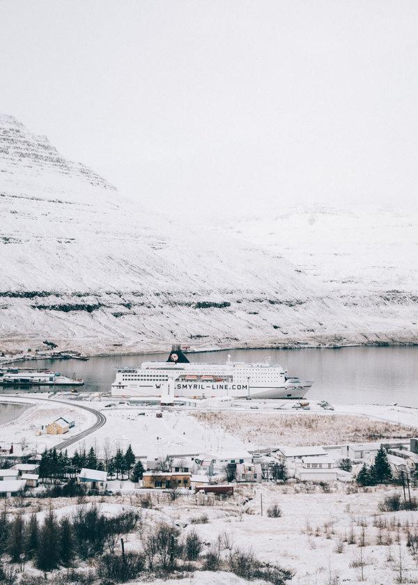 Prom w Seydisfjordur Islandia