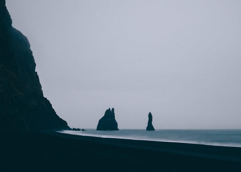Czarna plaża Reynisfjara Reynisdrangar Islandia Vik