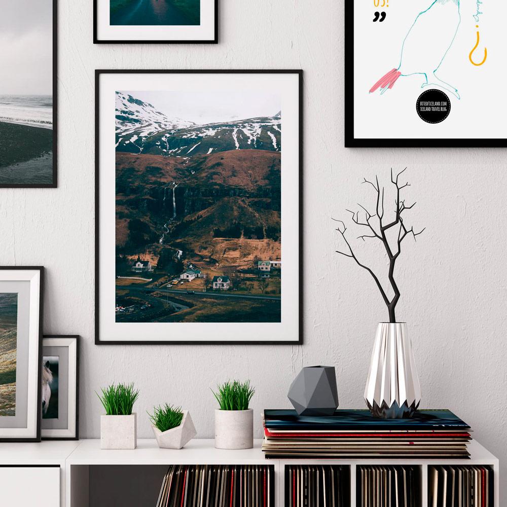 Plakaty na ścianę to najprostszy sposób na ożywienie każdego wnętrza. Zobacz, jak łatwo Twój salon może zyskać nowe oblicze.