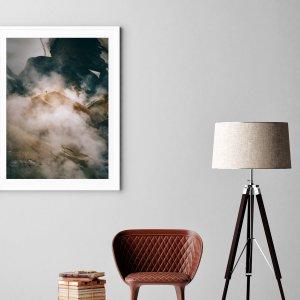 Plakat skandynawski na ścianę do salonu przedstawiający geotermalną dolinę Hveradalir w górach Kerlingarfjoll na Islandii. Dostępne wymiary: plakat 50x70 i plakat 30x40. Zobacz nasz skandynawski sklep z plakatami.